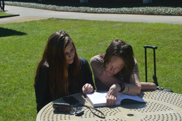 09.14.15-Studying-LeeAnn&Tabatha (1)